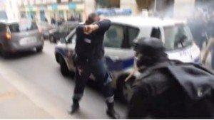 Policier agressé