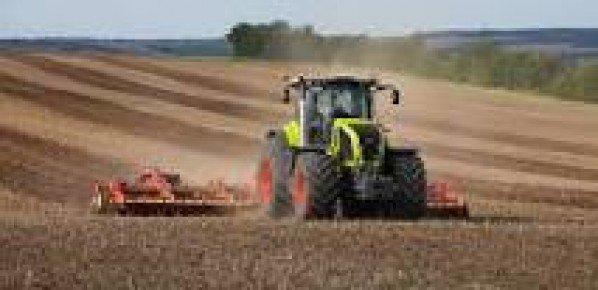 Les 2 maux de l'agriculture : les mauvaises récoltes et l'Union européiste.