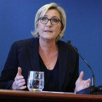 Marine Le Pen s'adresse aux 40 millions d'automobilistes français.